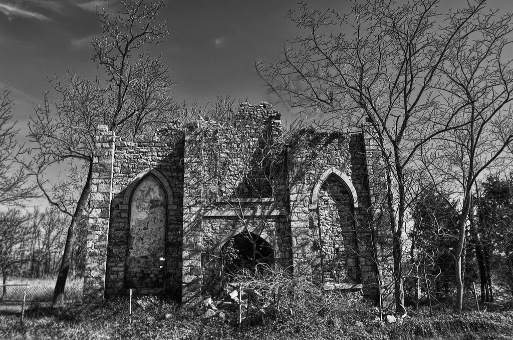 crumbling church - cc- flickr - forsaken fotos
